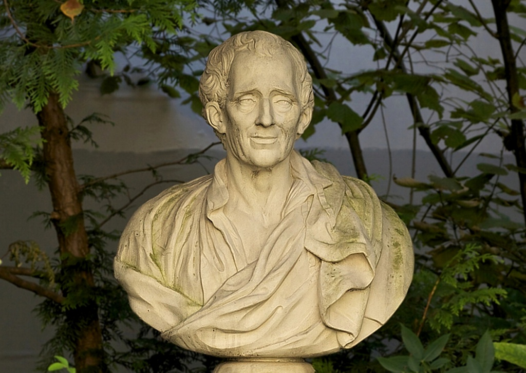Montesquieu-C-Universite-de-Bordeaux.jpg